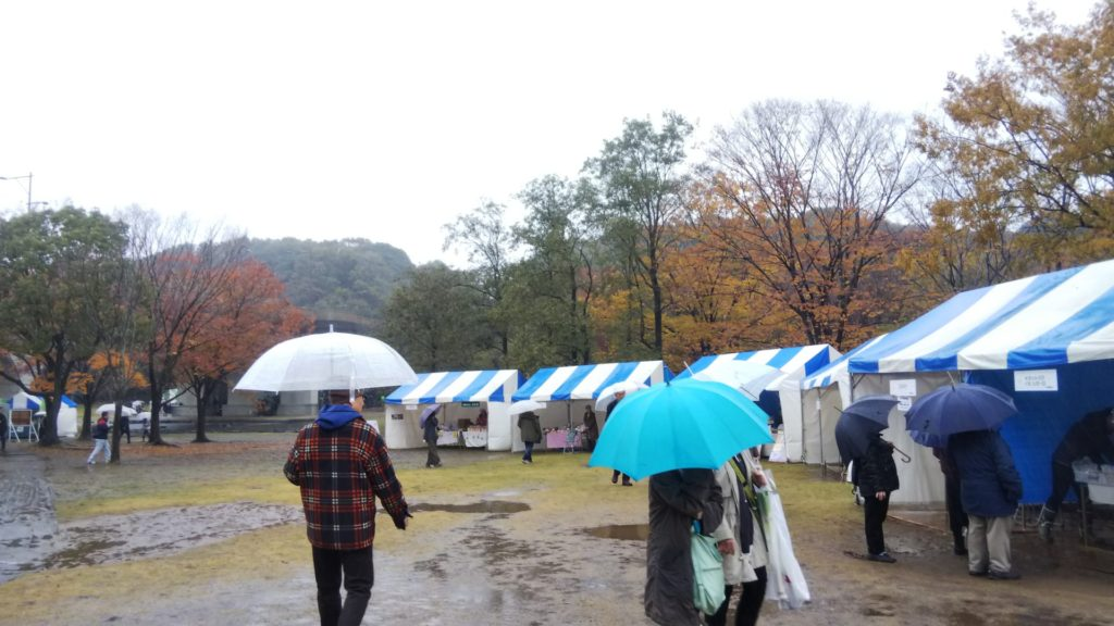 大雨の影響で地面はぐちゃぐちゃ